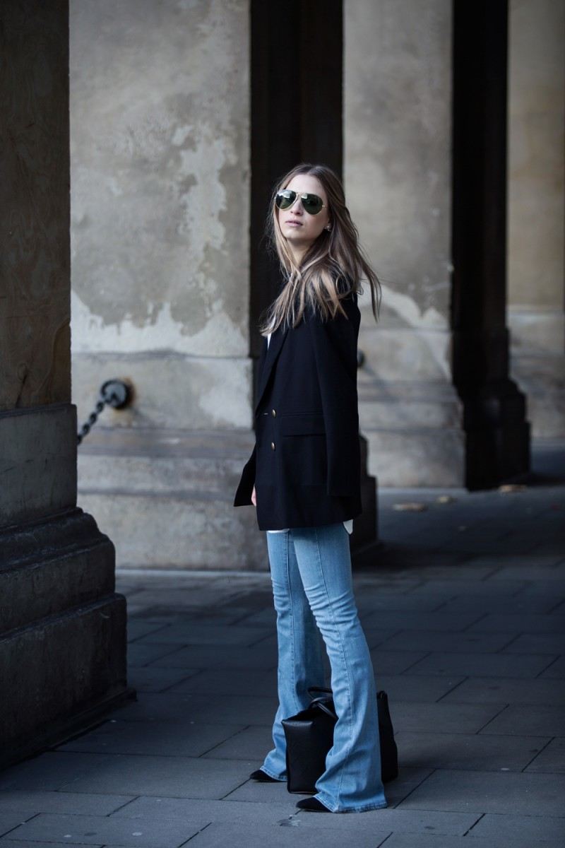 Streetstyle-Outfit-Flared-Pants-Denim-Paigedenim-Editedthelabel-Céline-Tiebag-Ruegembon-17