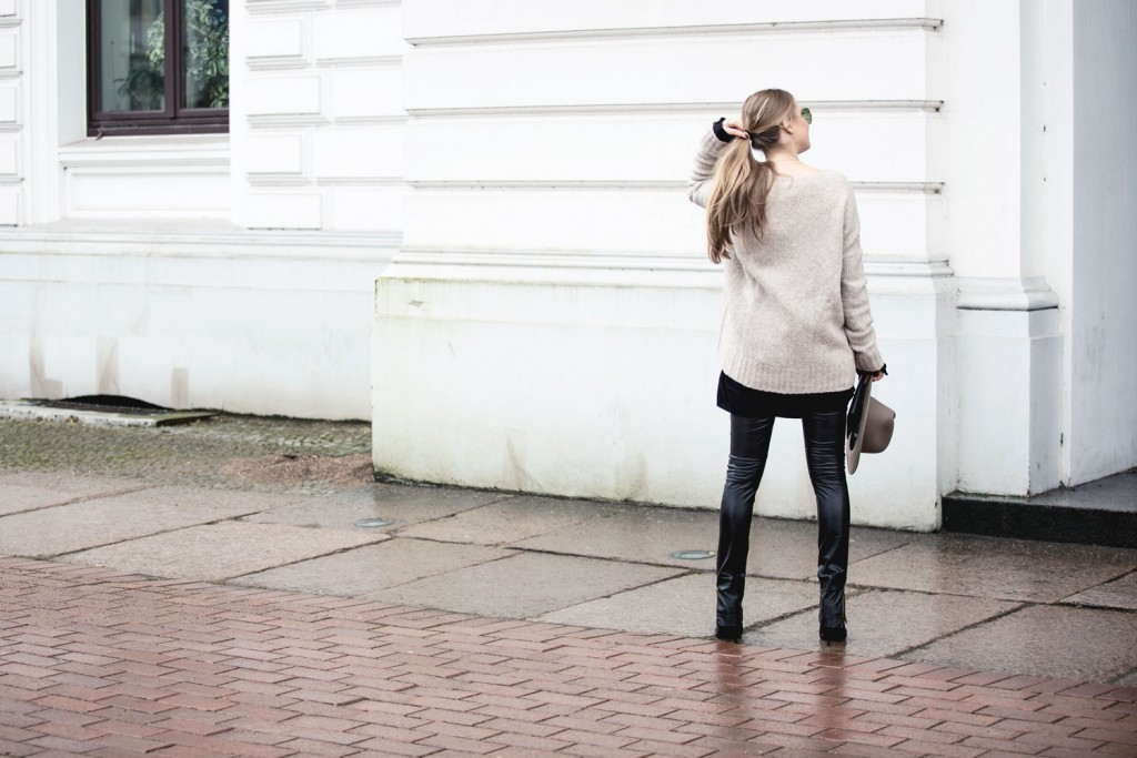 Outfit_Flared-Leather-Pants-Edited-X-Lena-Terlutter-Knit-6