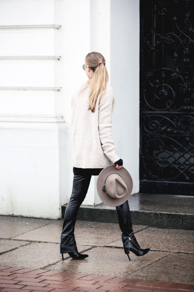 Outfit_Flared-Leather-Pants-Edited-X-Lena-Terlutter-Knit-7