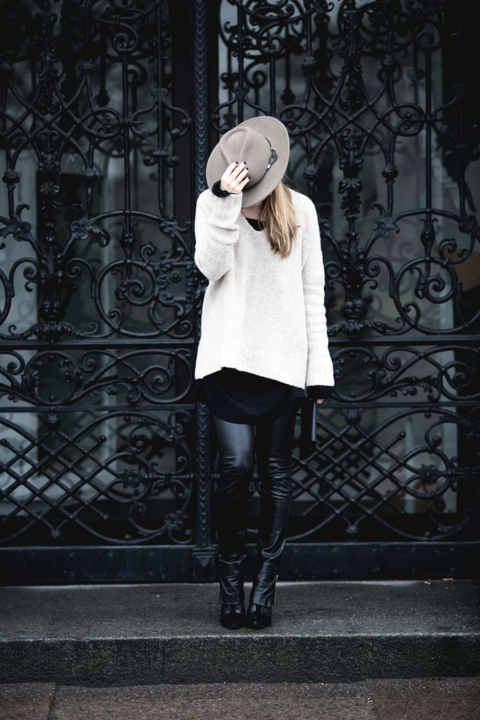 Outfit_Flared-Leather-Pants-Edited-X-Lena-Terlutter-Knit-8