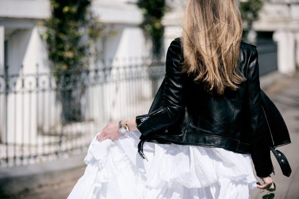 Sancarolin-Streetstyle-Replay-Weißes-Kleid-Volantkleid-Dobby-3