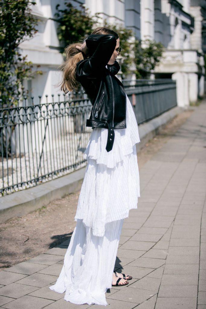 Sancarolin-Streetstyle-Replay-Weißes-Kleid-Volantkleid-Dobby-7