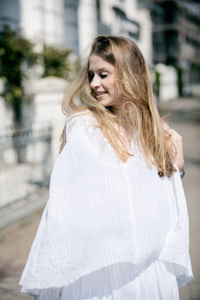 Sancarolin-Streetstyle-Replay-Weißes-Kleid-Volantkleid-Dobby-8