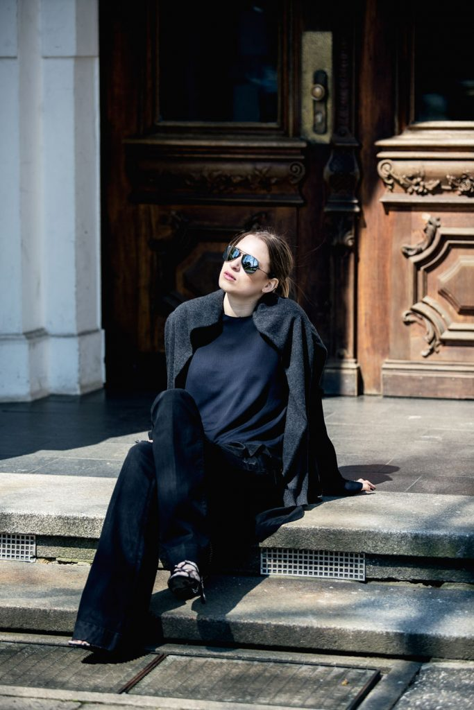 Streetstyle-Replay-Flared-Pants-Trumpet-Sleeves-4