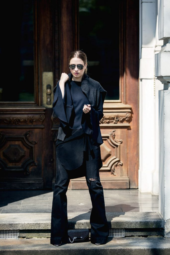 Streetstyle-Replay-Flared-Pants-Trumpet-Sleeves-5