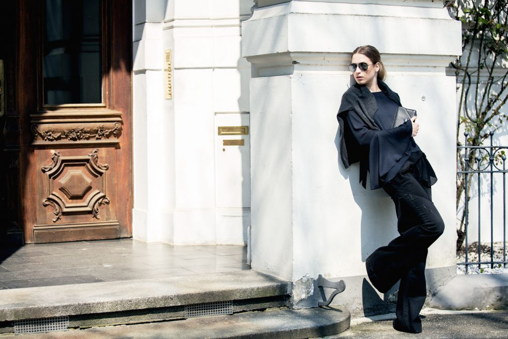 Streetstyle-Replay-Flared-Pants-Trumpet-Sleeves-7