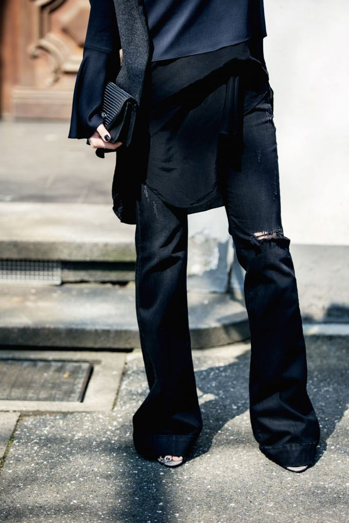 Streetstyle-Replay-Flared-Pants-Trumpet-Sleeves-8