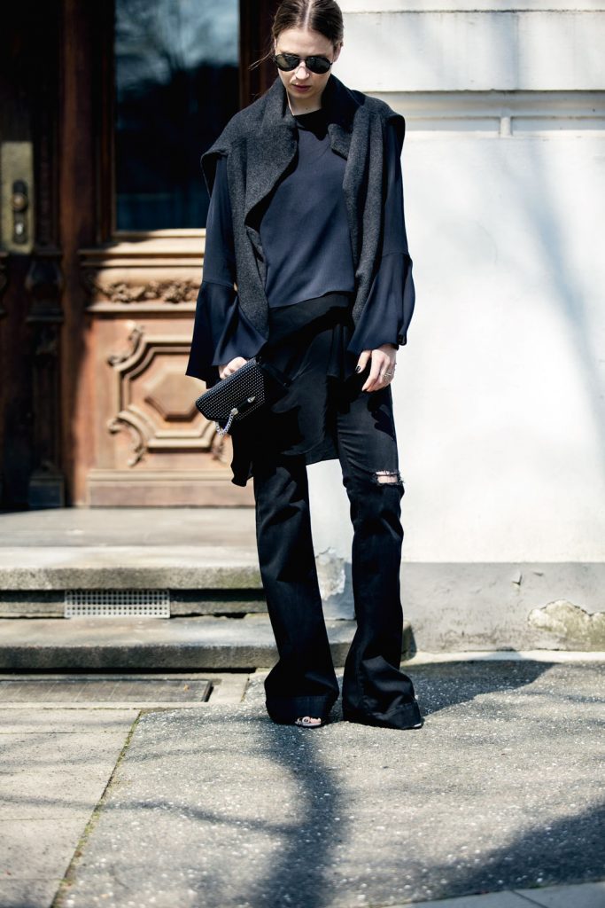 Streetstyle-Replay-Flared-Pants-Trumpet-Sleeves-9