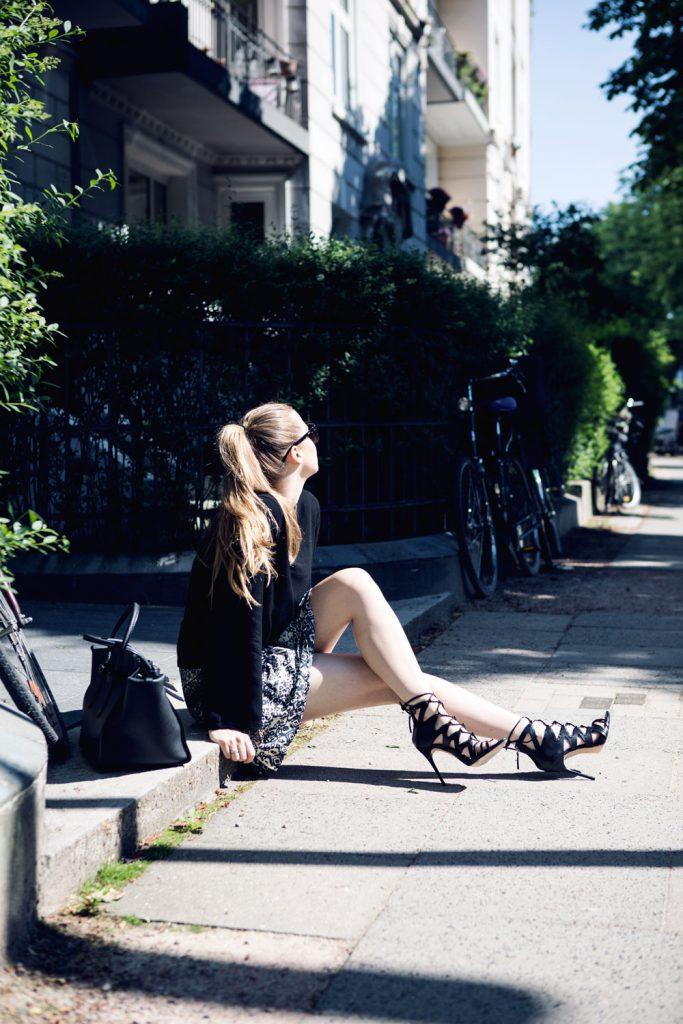 Streetstyle-Bioderma-Eau-De-Soin-Celine-Tie-Bag-3